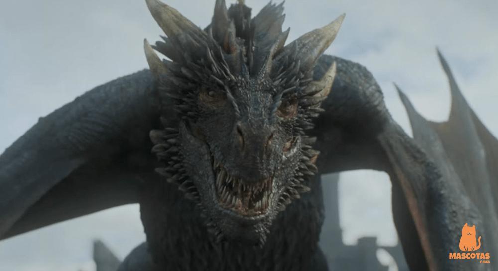 Drogon, dragón de juego de tronos
